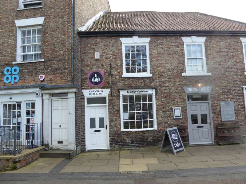 1 Bedroom Shop Commercial for rent in Shop Premises, Market Place, Easingwold, York, YO61 3AG