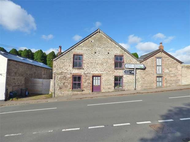 4 Bedrooms Semi Detached House for sale in St Whites Road, Cinderford, Gloucestershire