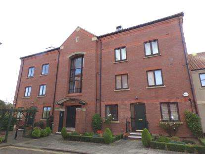 2 Bedrooms Flat for sale in Atlas Wynd, Yarm, Stockton On Tees