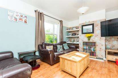 2 Bedrooms Semi Detached House for sale in Exeter
