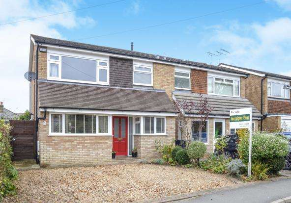 3 Bedrooms Semi Detached House for sale in Leatherhead, Surrey, Uk