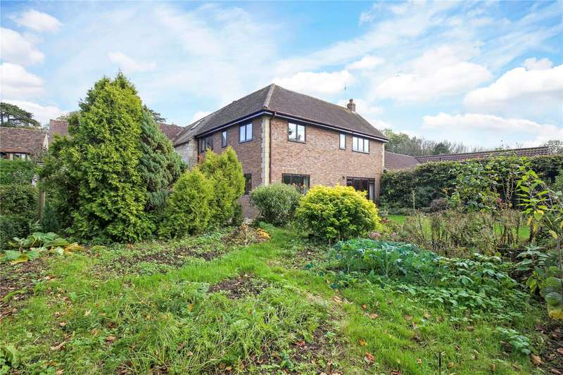 3 Bedrooms Terraced House for sale in Haresfield Court, Haresfield, Stonehouse, Gloucestershire, GL10
