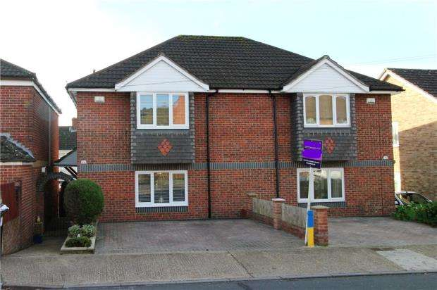 3 Bedrooms Semi Detached House for sale in Portsmouth, Hampshire, PO6