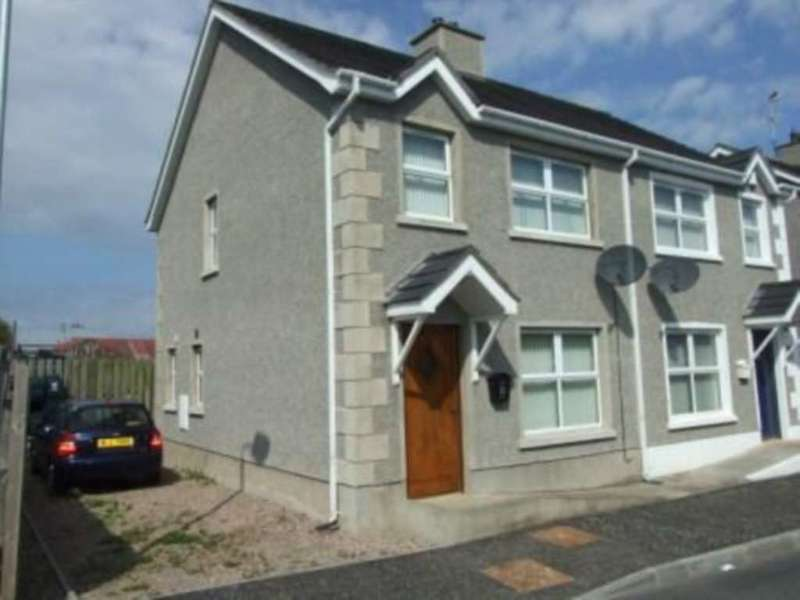 3 Bedrooms Semi Detached House for rent in Coronation Way, Laurevale, BT62 2LR, Northern Ireland