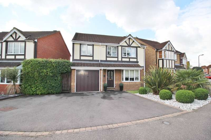4 Bedrooms Detached House for sale in Canons Gate, Waltham Cross, Hertfordshire, EN8