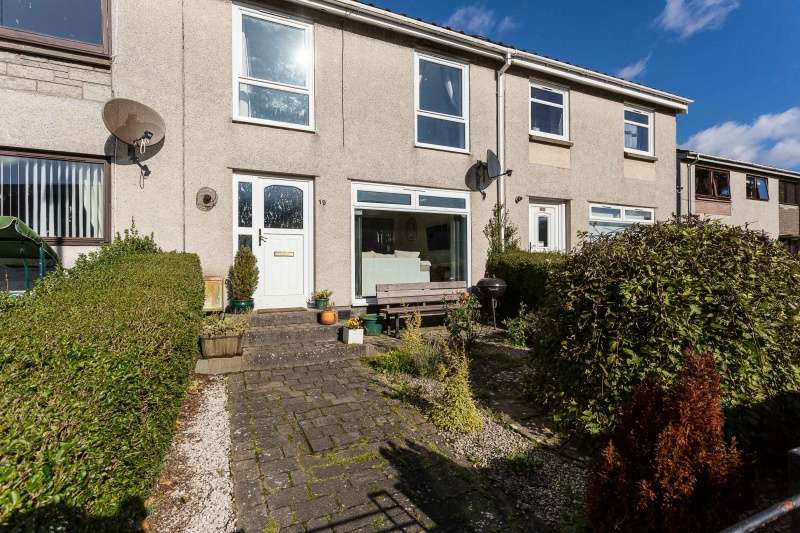 3 Bedrooms Terraced House for sale in Bloomfield Crescent, Arbroath, Angus, DD11 3LD