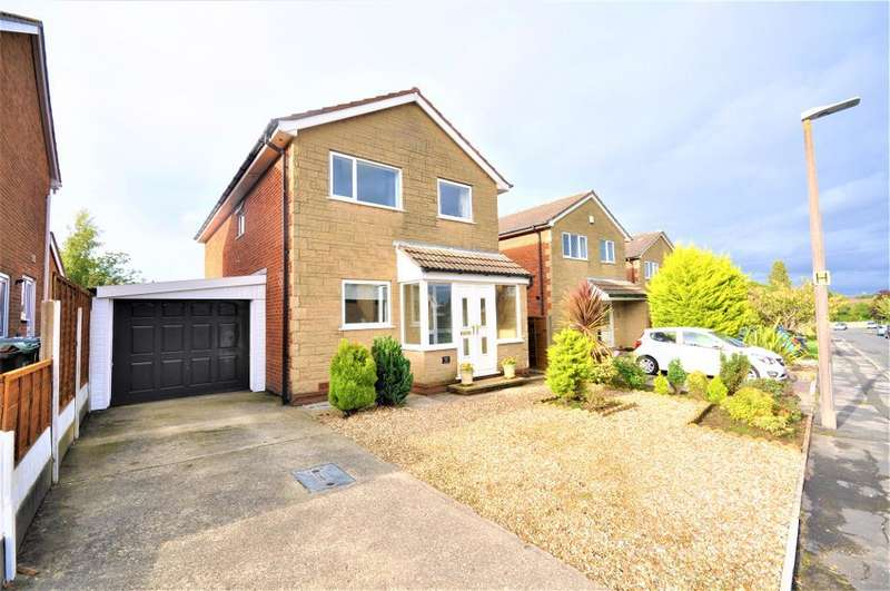3 Bedrooms Detached House for sale in Greenacres, Freckleton, Preston, Lancashire, PR4 1PS