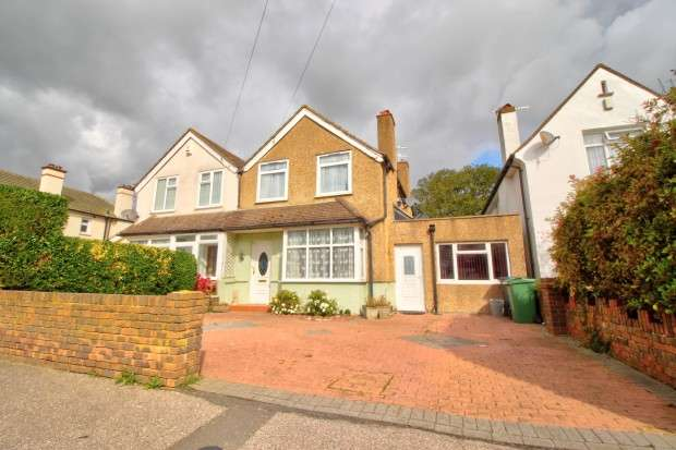 3 Bedrooms Semi Detached House for sale in Turkey Road, Bexhill-on-Sea, TN39
