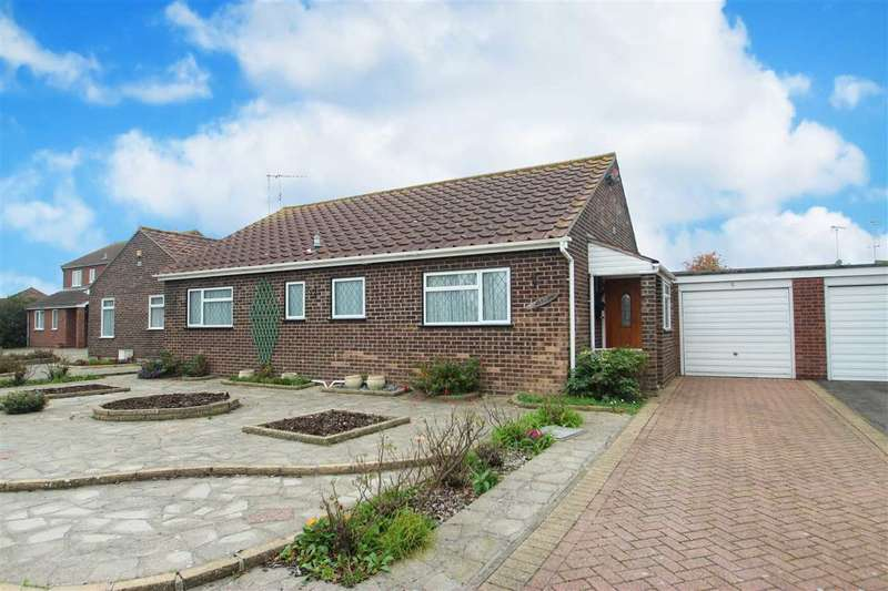 2 Bedrooms Bungalow for sale in Stonham Avenue, Clacton-On-Sea