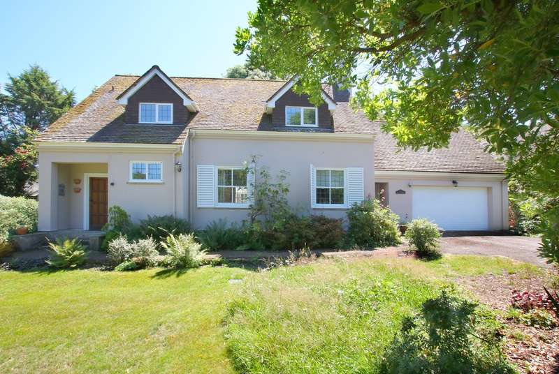 3 Bedrooms Detached House for sale in Buckland Dene, Lymington, Hampshire