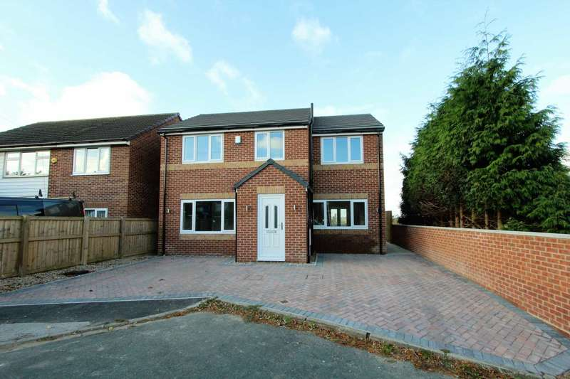 4 Bedrooms Detached House for sale in Crowther Road, Heckmondwike
