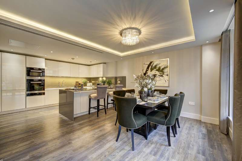 3 Bedrooms House for sale in Wellgarth Road, London