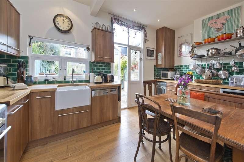 3 Bedrooms Detached House for sale in Westville Road, Shepherd's Bush