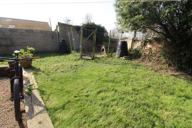 2 Bedrooms Semi Detached House for sale in Kives Cottage Bognor Road, Merston, Chichester, PO20