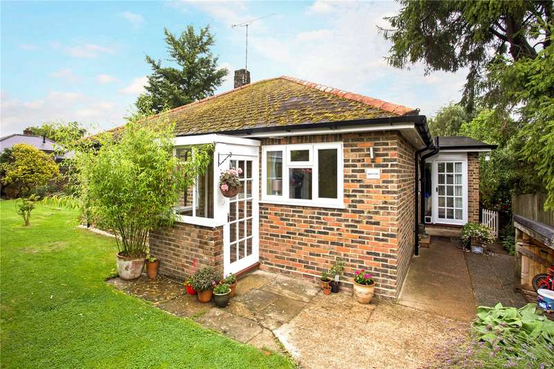 3 Bedrooms Detached Bungalow for sale in Church Street, Henfield, West Sussex, BN5