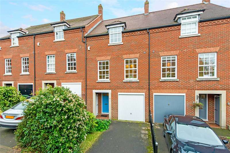 4 Bedrooms Terraced House for sale in Newmarket Court, Goldsmith Way, St. Albans, Hertfordshire, AL3