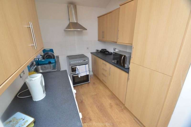 5 Bedrooms Terraced House for rent in ?90 pppw, Braemar Road, Fallowfield