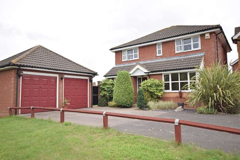 4 Bedrooms Detached House for sale in Corner Meadow, Harlow, Essex, CM18 7JN