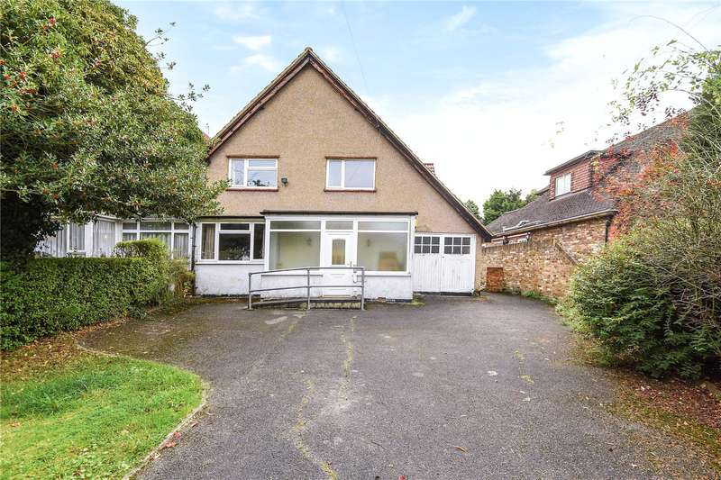 3 Bedrooms Semi Detached House for sale in Blossom Way, Hillingdon, Middlesex, UB10