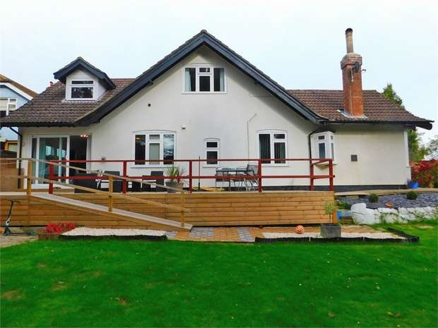 4 Bedrooms Detached House for sale in Victoria Road, Louth, Lincolnshire