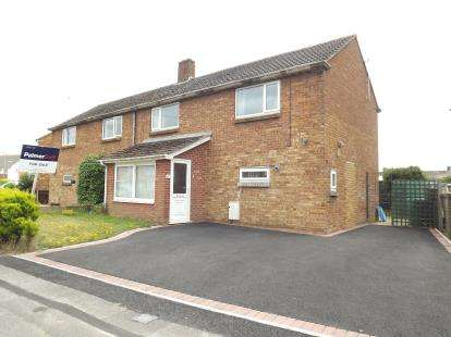 4 Bedrooms Semi Detached House for sale in Christchurch, Dorset