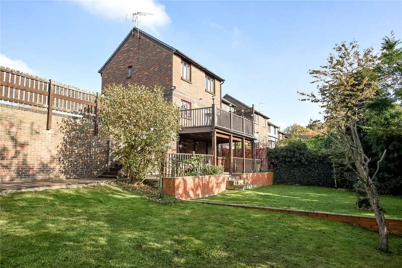 3 Bedrooms Detached House for sale in Caddis Close, Stanmore, Middlesex, HA7