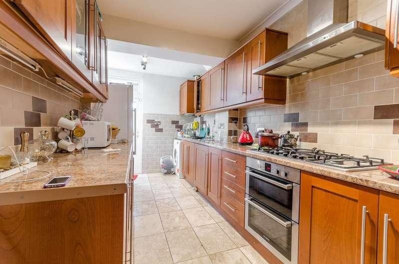 3 Bedrooms House for sale in Netherfield Gardens, Barking, IG11