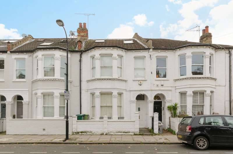 4 Bedrooms Terraced House for sale in Glenrosa Street, Sands End, SW6