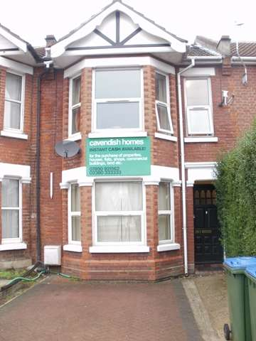 7 Bedrooms Semi Detached House for rent in Portswood Road - Portswood - Southampton