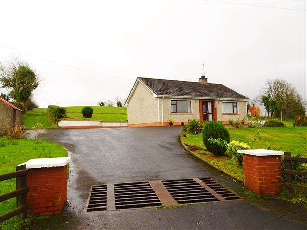 2 Bedrooms Bungalow for sale in 179 Lack Road