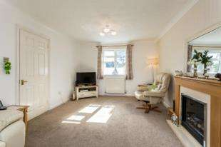 2 Bedrooms Terraced House for sale in Old School Mews, Felpham Road, Felpham, West Sussex