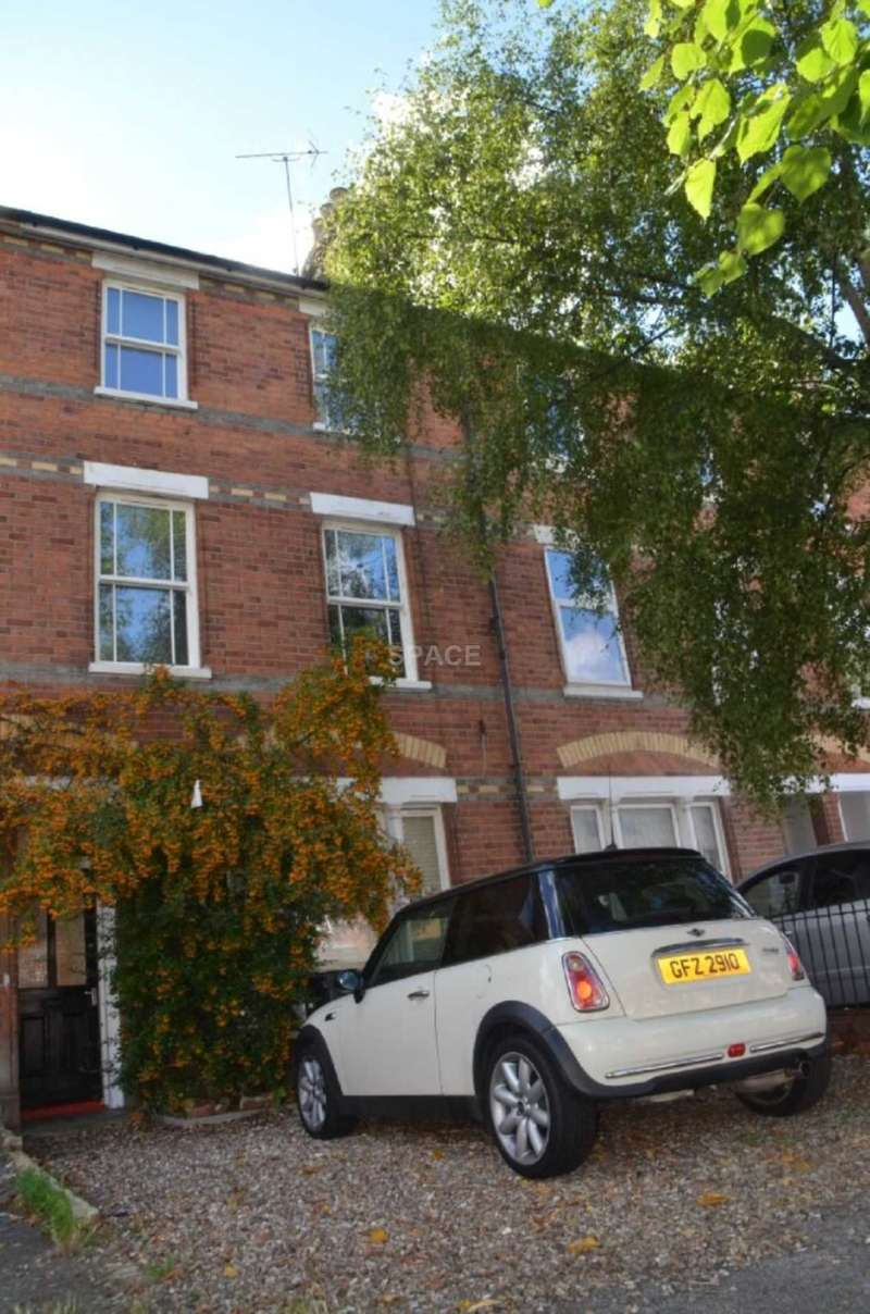 8 Bedrooms Terraced House for rent in Addington Road, Reading, Berkshire, RG1 5PX