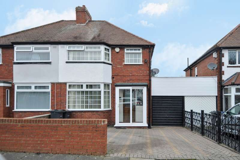 3 Bedrooms Semi Detached House for sale in Bellwood Road, Northfield, Birmingham, B31