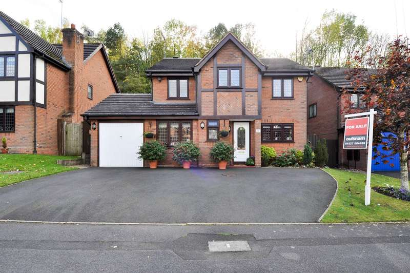 4 Bedrooms Detached House for sale in Claverdon Close, Hunt End, Redditch, B97