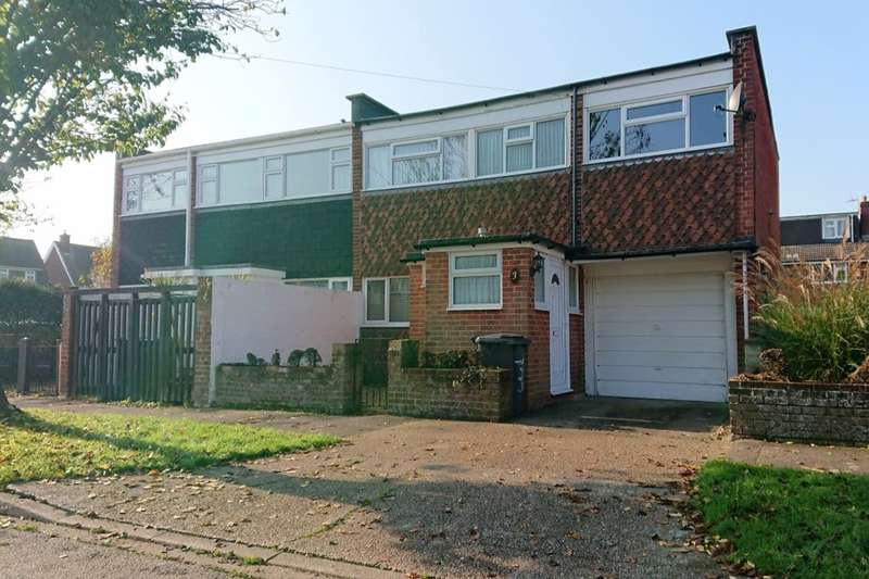 4 Bedrooms Semi Detached House for sale in Oakdene, Gosport, PO13