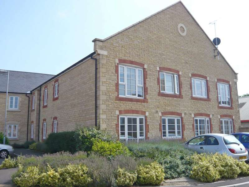 2 Bedrooms Apartment Flat for sale in Harris Close, Frome