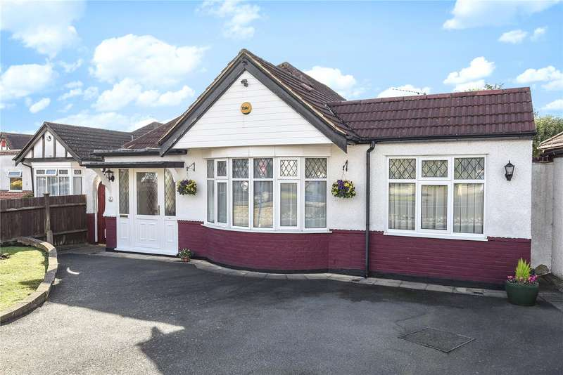 2 Bedrooms Detached Bungalow for sale in Glenfield Crescent, Ruislip, Middlesex, HA4