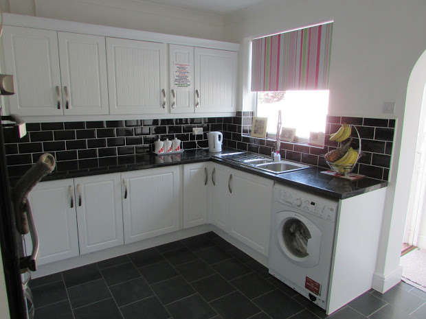 2 Bedrooms Property for sale in Halstead Road, Frinton-on-sea, CO13