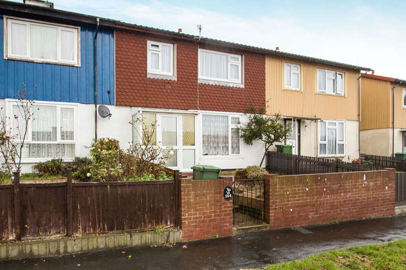 3 Bedrooms Property for sale in Leominster Road, Portsmouth, PO6