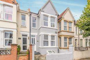 4 Bedrooms Terraced House for sale in Rock Avenue, Gillingham, Kent, .