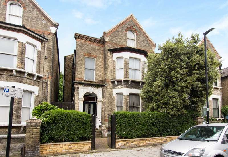 5 Bedrooms Detached House for sale in St Saviours Road, Brixton, SW2