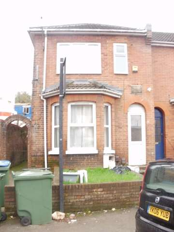 6 Bedrooms Semi Detached House for rent in Earls Road, Portswood, Southampton