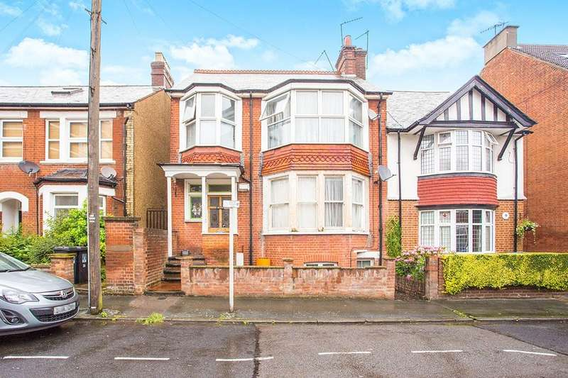 2 Bedrooms Flat for sale in Wellington Road, Watford, WD17