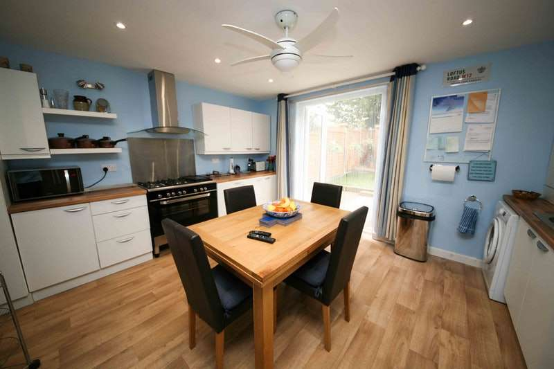 3 Bedrooms Terraced House for sale in Lovell Road, Southall, Middlesex, UB1