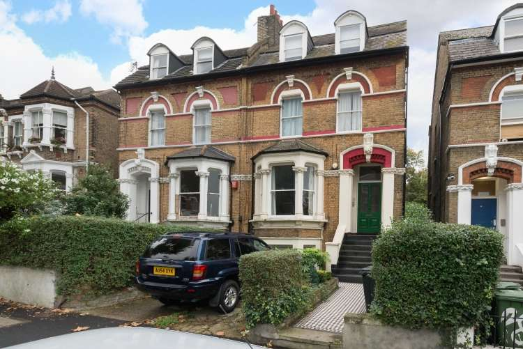 2 Bedrooms Flat for sale in Pepys Road New Cross SE14