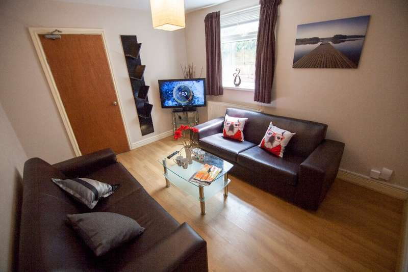 6 Bedrooms Terraced House for rent in Donald Street, Roath, Cardiff, CF24 4TR