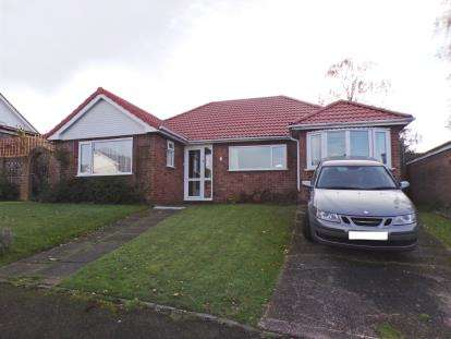 3 Bedrooms Bungalow for sale in Greenway Drive, Sutton Coldfield, West Midlands, .