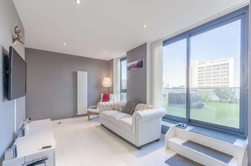 1 Bedroom Flat for sale in Central House, Cambridge Road, Barking, IG11
