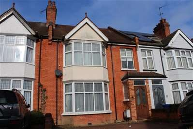 3 Bedrooms Terraced House for sale in Warrington Road, Harrow