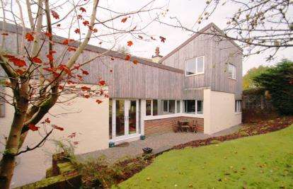 5 Bedrooms Link Detached House for sale in Earl Place, Bridge Of Weir